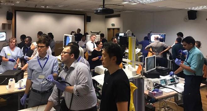 El 3rd Kent Endoscopy Training Course cuenta con la presencia del Dr. Santiago como docente en la técnica de DSE